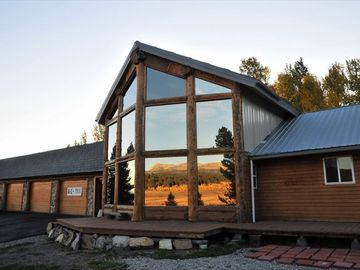 West Yellowstone house rental - front view of home