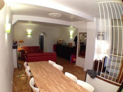 Air-conditioned accommodation, 90 square meters, close to the beach