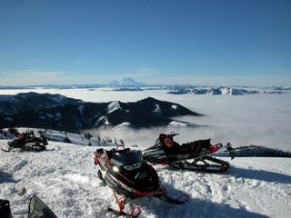 Top of Gallagher looking at Mount Rainer
