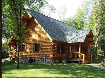 Cabins vacation rentals by owner montello wisconsin for Log cabin resort montello wi