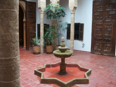 authentic Riad, comfortable, clean and well equipped, very well located.