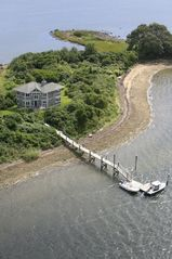 Narragansett estate photo - Jonathan Island