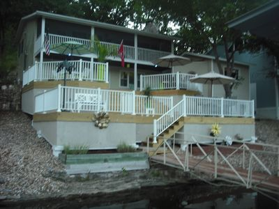 RELAX & ENJOY THE OZARKS FROM THIS AMAZING DECK SUN, BBQ, SWIM, BOATING, SUNSETS