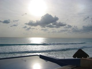 Cancun condo photo - Calm sunrise