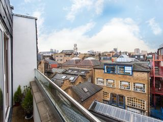 Islington apartment photo - Enjoy fresh air and superb views from the balcony