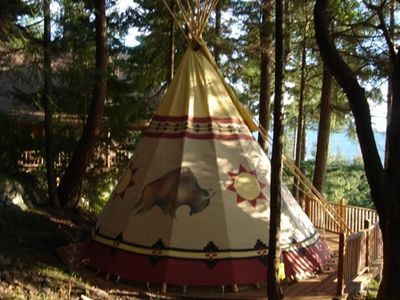 Tipi bedroom is 20 feet features two twin beds wonderful views