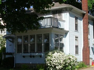 Lake City - Lake Pepin house rental - Front View of Guest house