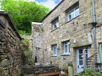 STABLE END COTTAGE, romantic, with open fire in Settle, Ref 17271