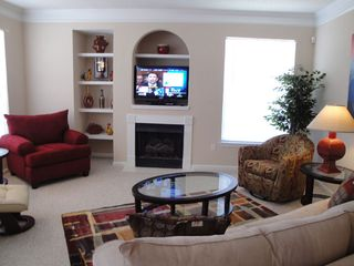 Gulfport villa photo - COMFORTABLE / COLORFUL LIVING ROOM / Blue-Ray DVD