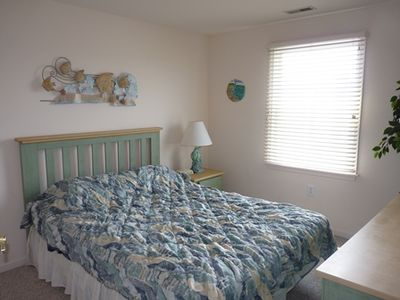 Boardwalk condo rental - Queen Bedroom