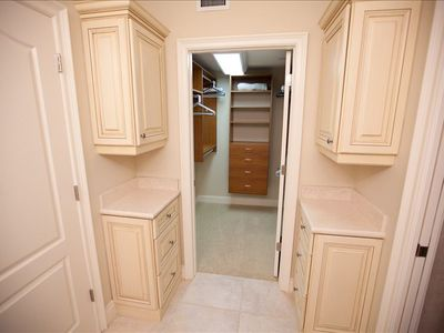 Holmes Beach condo rental - Master Bedroom walk-in closet