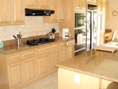 Full open feature kitchen for entertaining