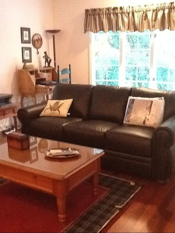 Private Den w/ New (5/2012) Sleeper Sofa, HD flat screen TV, CD/DVD player