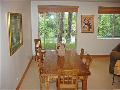 Ketchum condo rental - Spacious Dining Area