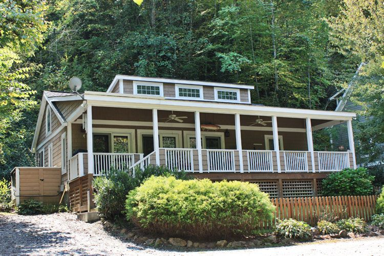 River front cabin with wi fi trout fishing vrbo for Fishing cabins in wisconsin