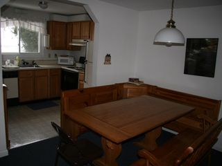 Burke condo photo - kitchen and dining area