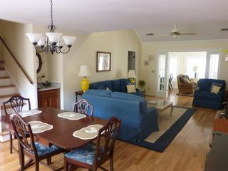 Seabrook Island cottage photo - Great Room to Sunroom