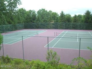 Lake Wallenpaupack townhome photo - Anyone for Tennis