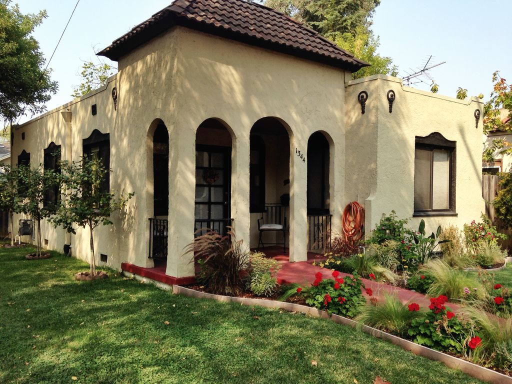 Spanish Bungalow Available This Saturday Vrbo