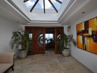Orient Bay villa photo - Grand entrance
