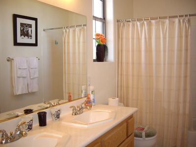 Las Vegas house rental - Jack and Jill bathroom upstairs/dual sinks upstairs