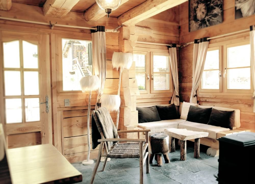 chalet traditionnel en bois au pied des pistes chamonix. Black Bedroom Furniture Sets. Home Design Ideas