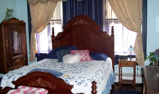 Paradise house photo - 2nd floor-Blue Wisteria Room-Queen Bed