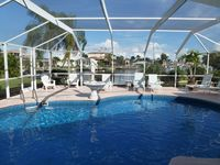 Beautiful Direct Sailboat Access Villa With Heated Pool And Large Patio Area