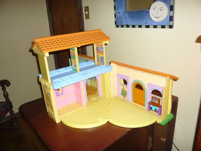 play house (accessories included but not pictured)