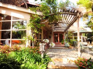 Entry to the Artist Beach Retreat with large private courtyard - La Jolla house vacation rental photo
