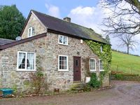 WERN TANGLAS COTTAGE, pet friendly in Newcastle-On-Clun, Ref 12897