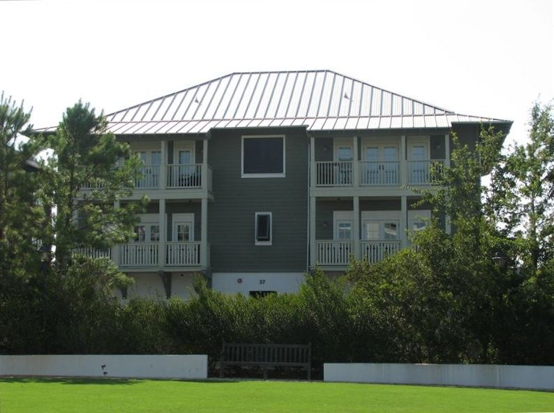 Beautiful Top Floor Flat in Rosemary Beach!  Spring and Summer 2018 at 2017 Rate