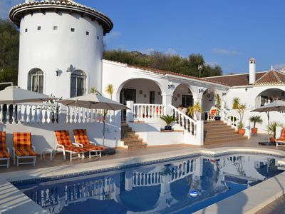 Luxury holiday villa with private swimming pool in a beautiful, peaceful setting