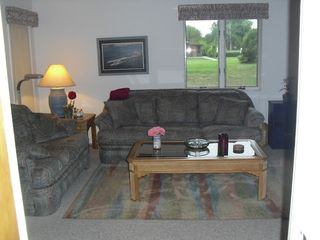 Winter Haven townhome photo - Livingroom Couch