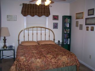 Claytor Lake house photo - Main Bedroom - Queen size bed