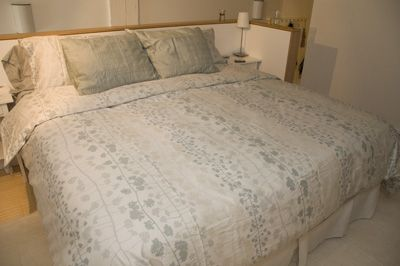 King Size Bed - Luxurious Bedding