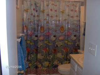 Carolina Beach condo photo - Hallway bathroom - towels provided - just bring beachtowels.