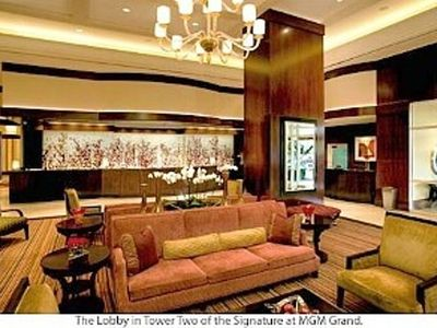 Las Vegas condo rental - The Signature Hotel Lobby Tower 2