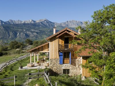 Luxury accommodation La Bâtie-neuve, 120 square meters, recommended by travellers !