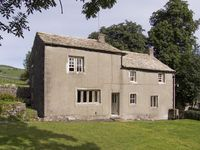 TOWN HEAD FARM, family friendly, with a garden in Malham, Ref 4291