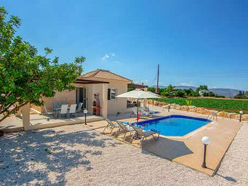 Tasteful 3 bedroom villa w/ countryside views, air-conditioning and WiFI.