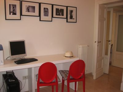 Villa Borghese & Parioli area apartment rental - study room