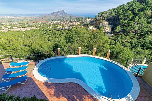 Stylish villa w/ panoramic views, sun terrace, private pool & free Wi-Fi