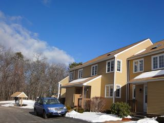 Ossipee Lake townhome photo - Entrance and Parking