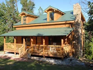 Pine Mountain cabin photo - Front View of Log Cabin - Fawnwood Crossing