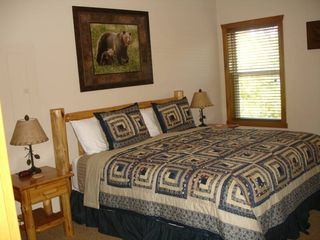 Branson cabin photo - Lower Level - King Size Beds, Bathroom, TV, DVD Player and Cable