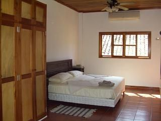 Master bedroom (1st floor)