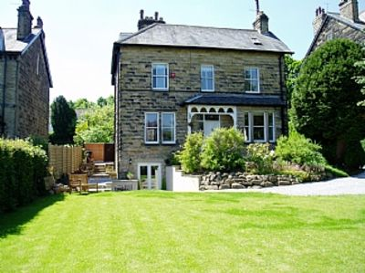 Delightful, Self-Contained Apartment In Ilkley, Yorkshire