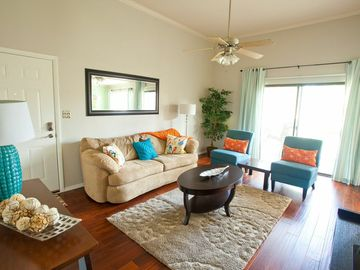 Downtown Scottsdale condo rental - Bright, Airy Living Room