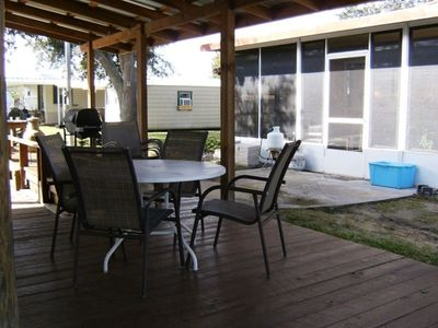 Welaka mobile home rental - COVERED DOCK AREA LOOKING AT THE HOUSE